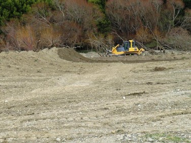 Dozer-riverbed-clearing.JPG